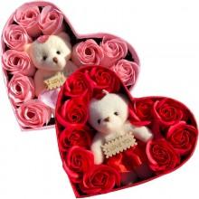 Hjerteæske med roser og bamse